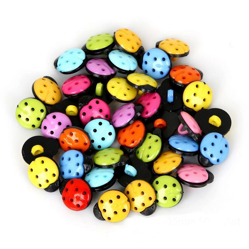 50 stücke 15x13mm Kunststoff Ladybirds Mixed Red Buttons Nähen Kleidung Zubehör Schaft Marienkäfer DIY Scrapbooking Handwerk