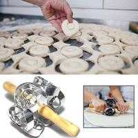 Revolving Donut Cutter Maker Mold Pastry Dough Metal Baking Roller Kitchen Supplies Tools Stainless steel mold Wide Application