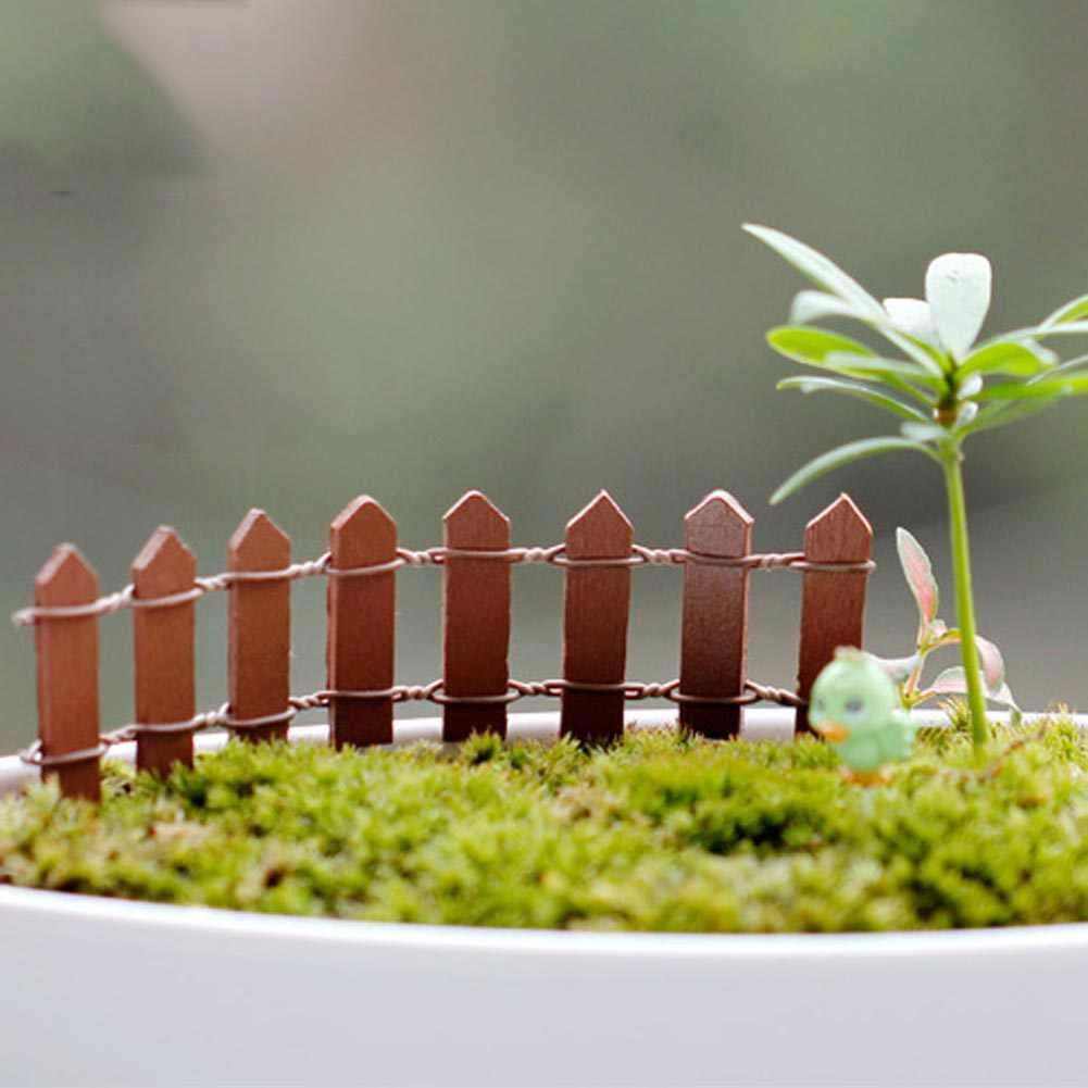 1 pc miniatura pequena cerca de madeira diy jardim de fadas micro casa de bonecas planta pote decoração bonsai terrário ornamento diy jardim em miniatura