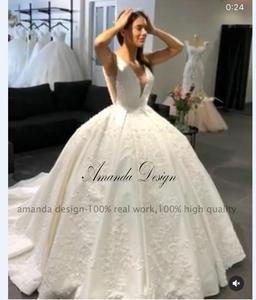 Image 2 - Amanda Disegno robe de mariage 2019 Del Manicotto Della Protezione Del Merletto Appliques Aperto Indietro Abito Da Sposa