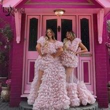 Женское фатиновое платье с оборками привлекательное розовое