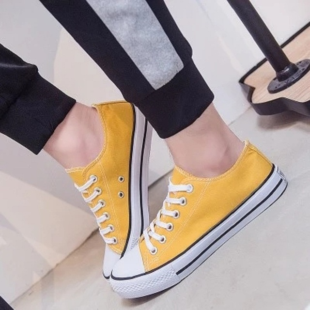 2019 spring and summer new women's Korean fashion casual shoes gray yellow blue candy color low help canvas shoes flat shoes.