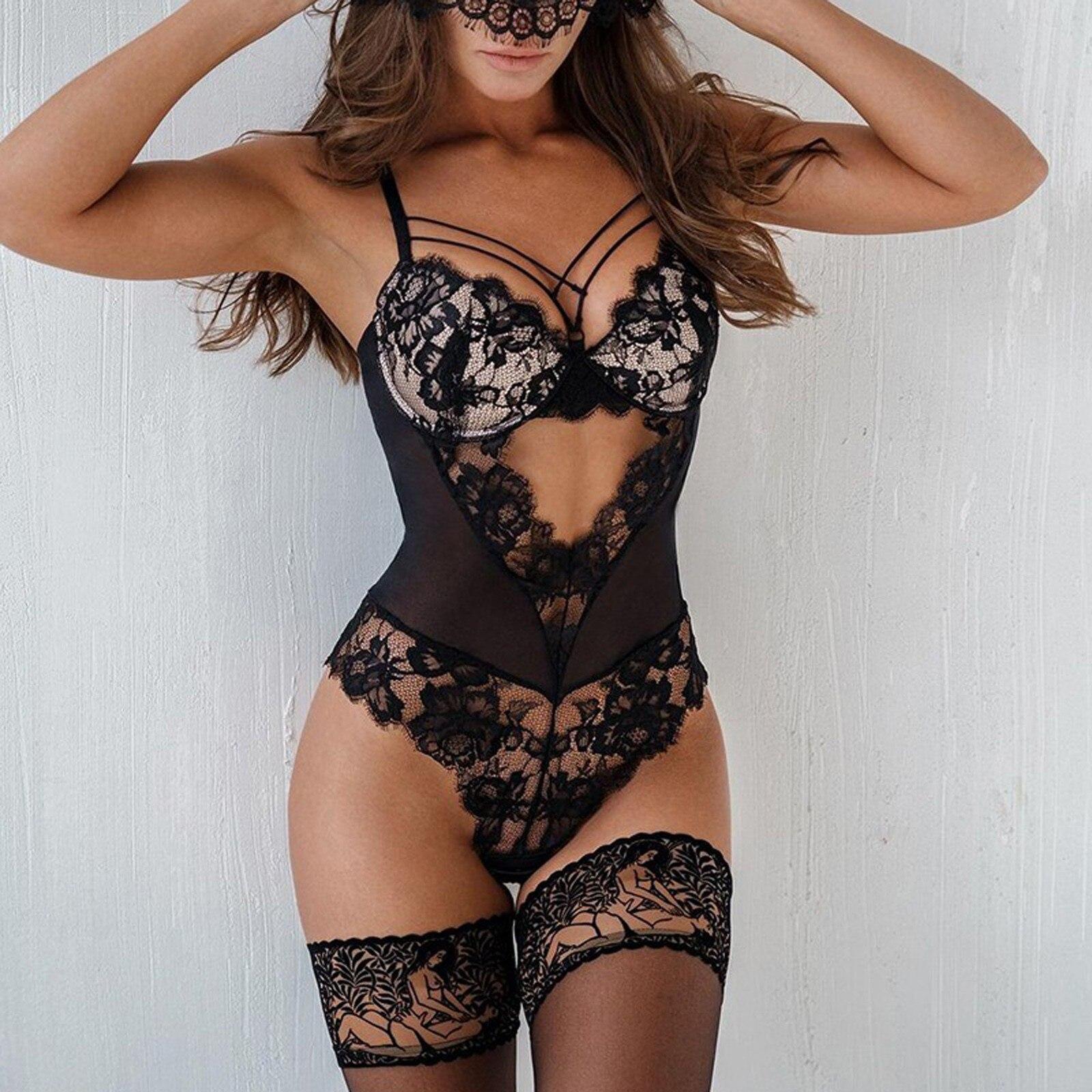 Body érotique en lingerie brodée