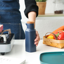 Nordic Style 4 Colors Matte Ceramic Tableware Oil Pot with Wooden Lid Soy Sauce Bottle Vinegar Bottle Kitchen Tool