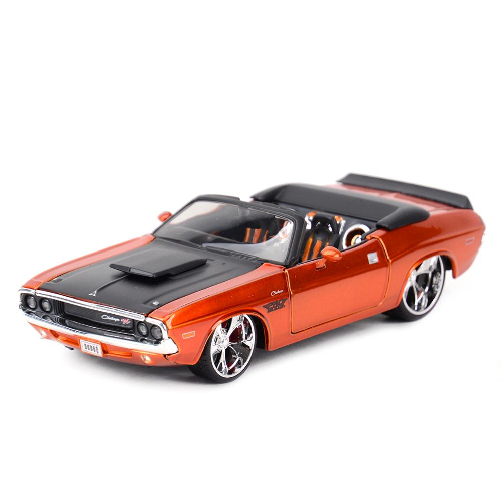 Maisto 1:24 1970 Dodge Challenger R/T Convertible Sports Car Static Simulation Diecast Alloy Model Car