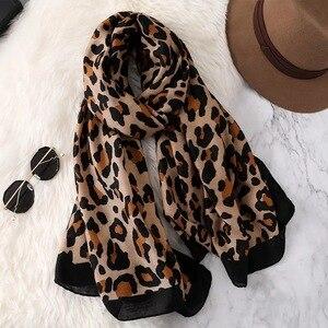 Image 2 - Luxury ฤดูหนาวฤดูใบไม้ร่วงฤดูหนาวผ้าพันคอเสือดาวผ้าลินินผ้าฝ้ายผ้าคลุมไหล่ผู้หญิง Pashmina ผ้าพันคอฮิญาบมุสลิม Cape Wrap muffler