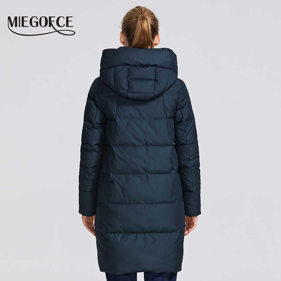 MIEGOFCE 2019 Зимняя коллекция женская зимняя куртка сделан с настоящего биопуха ветрозащитный стоячий воротник с капюшоном пуховик имеет несколько необычных расцветок кривая что придает этой модели особенный стиль
