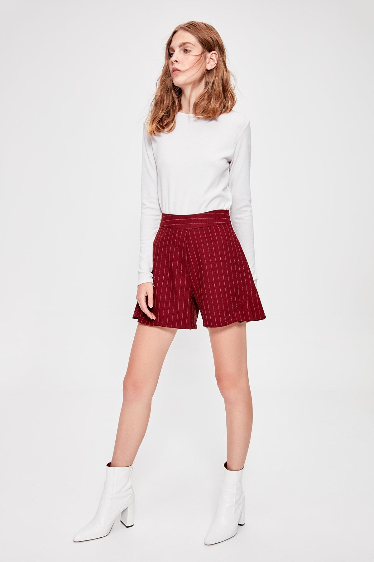 Trendyol Burgundy Striped Shorts TWOAW20SR0048