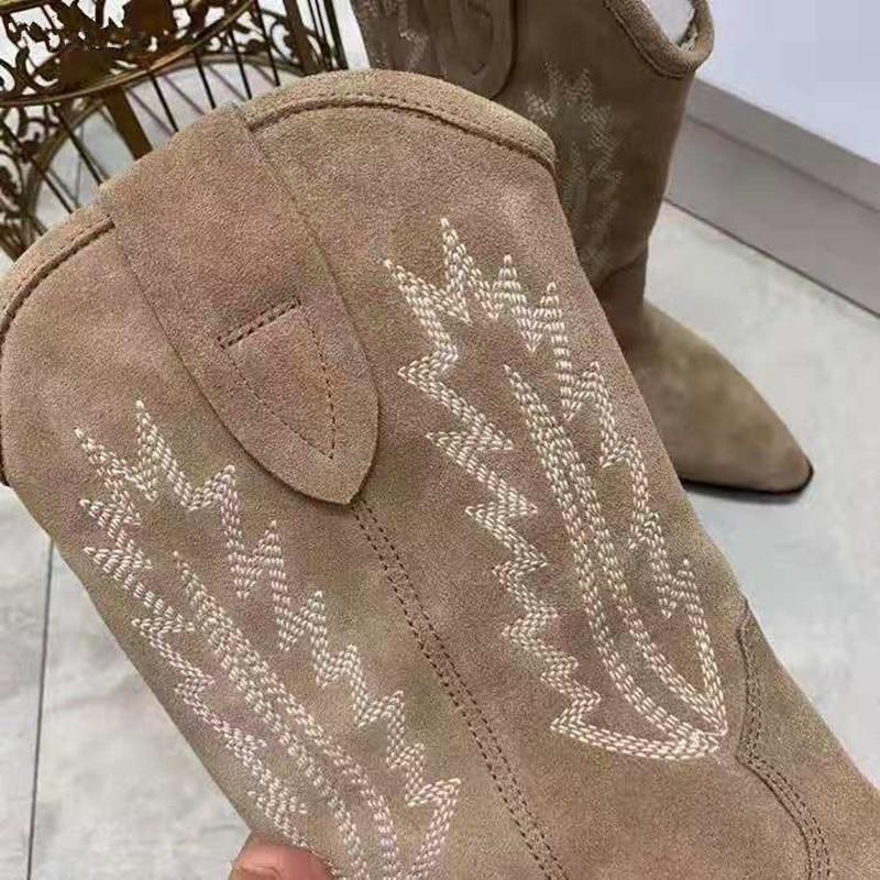 MStacchi 2020 nu daim brodé mi mollet bottes femmes talon épais bout pointu chaussures femme chaud neige bottes plates chevalier bottes - 4