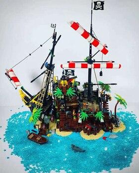 W magazynie klocki piraci z zatoki Barracuda z 21322 klocki dla chłopców dziewcząt prezenty