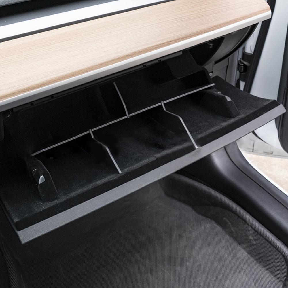 Model 3: Handschuhfach Organizer*