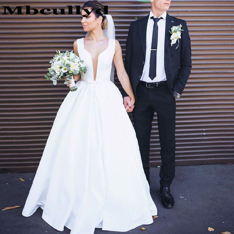 Mbcullyd A Line Korean Wedding Dress For Women Long Sweep Train 2020 White Satin V Neck Vestido Casamento Praia Bridal Dresses