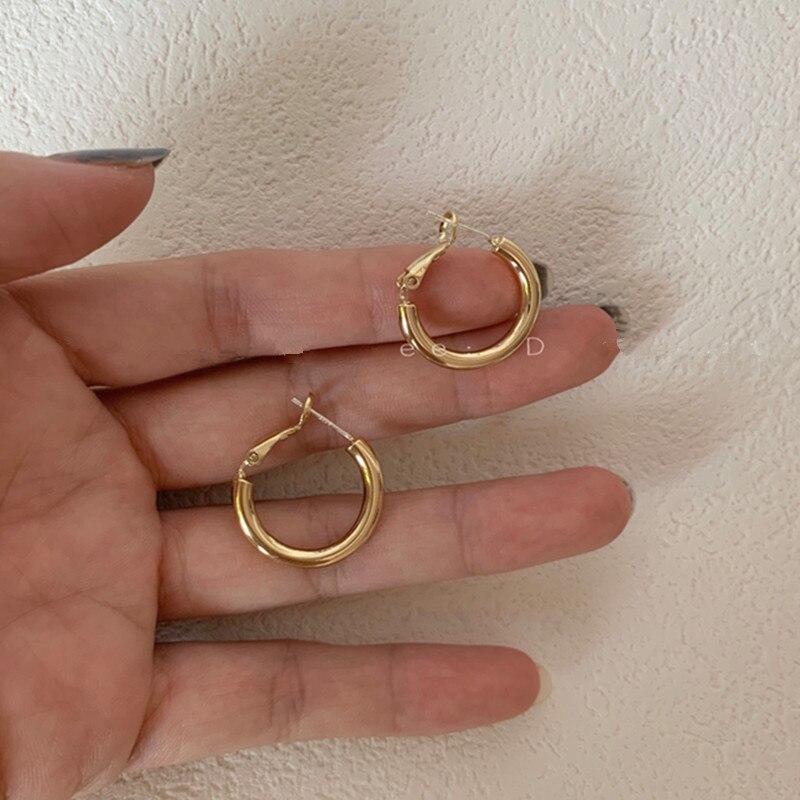 Корейские металлические круглые маленькие серьги-кольца для женщин 2020 простой: золото, серебро, цветные геометрические милые элегантные се...