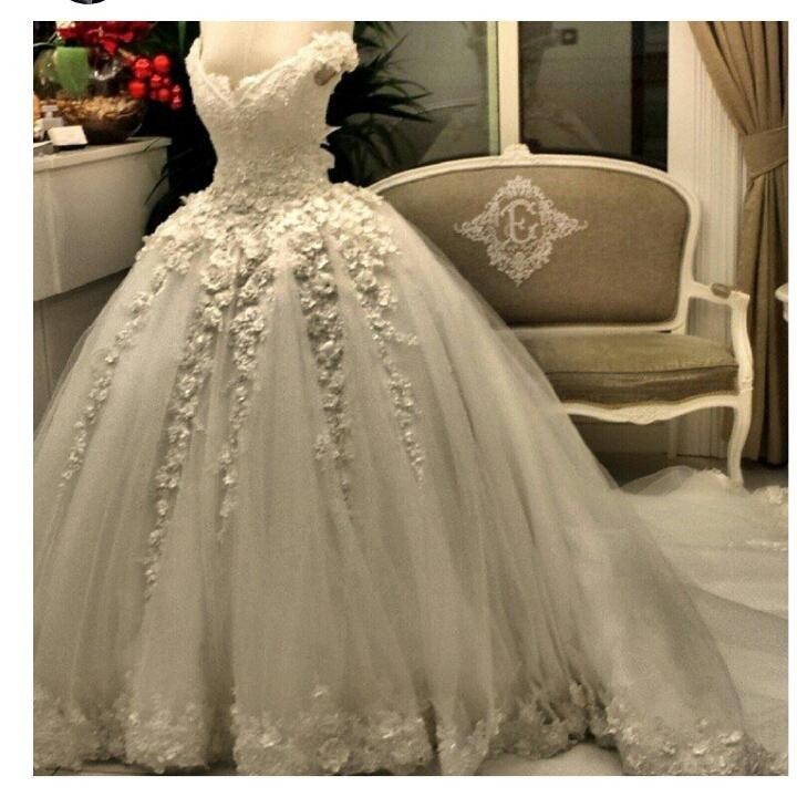 Real Image 2019 Pearls Lace Beaded Ball Gowns Bridal Gown With Flowers custom Lace Applique Luxury mother of the bride dresses