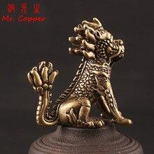 Estatua hecha a mano antigua de cobre Beast Qi Lin, adorno para mesa de ordenador, decoración de coche, accesorios para manualidades estatuilla de bronce, decoración del hogar