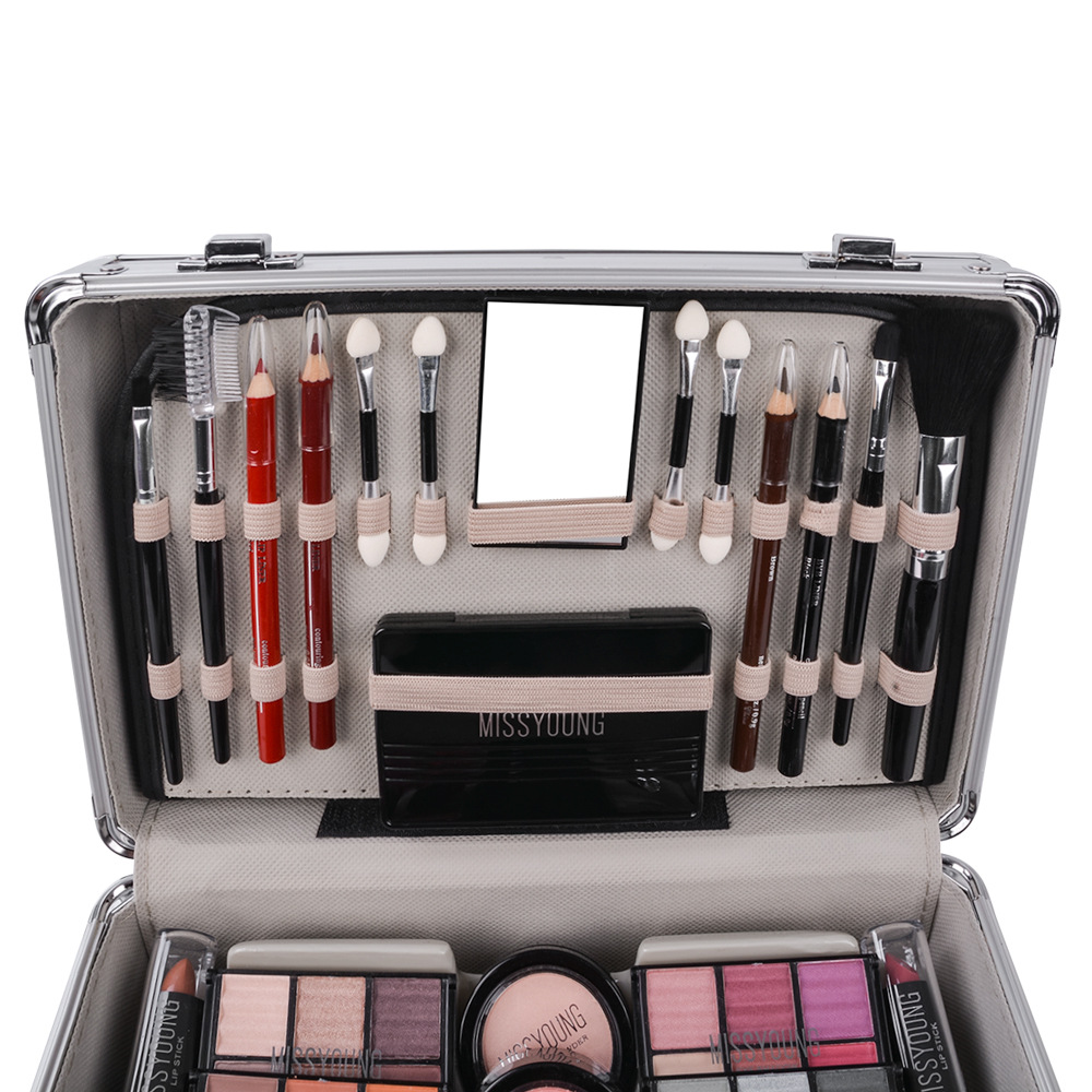 kit de maquiagem mala cheia batom pincéis