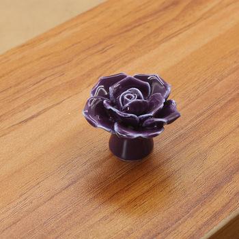 Modne meble uchwyty sprzęt ceramiczny kwiat róża gałki do szuflady wiejskie gałki do szafek 41mm średnica 34mm wysokość tanie i dobre opinie Metalworking CN (pochodzenie) Meble uchwyt i pokrętła Archiwalne White pink red yellow purple Cabinet drawer cabinet door handle