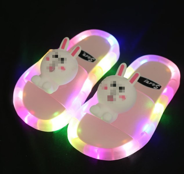 2021 Footwear Luminous Jelly Summer Children's LED Slipper Girls Slippers PVC Non-slip Beach Sandals Kids Home Bathroom Pink