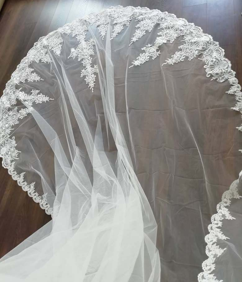 High Quality Neat Lace Long 4 Meters Wedding Veil with Comb 400cm One Layer Bridal Veil Bride Accessories Voile Mariage 3