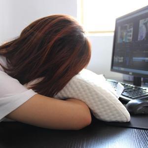 Image 5 - Almohada de espuma de rebote lento curvo para parejas, almohada de memoria antipresión para la mano, entumecida y protección del cuello y los brazos muertos, siesta en la oficina