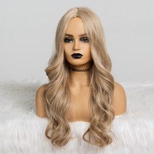 Image 2 - ALAN EATON 흑인 여성을위한 합성 가발 긴 물결 모양의 머리 22 인치 코스프레 라이트 애쉬 브라운 금발 가발 중간 부분 내열성