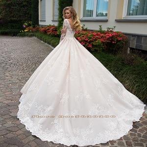 Image 2 - 화려한 볼 가운 웨딩 드레스 긴 소매 플러스 크기 Vestido Blanco Scalloped 목 단추 최대 Appliques 웨딩 드레스 우아한