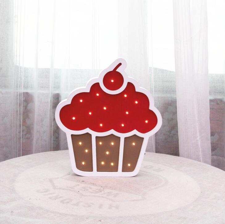 Luz noturna sorvete cone bolo de aniversário