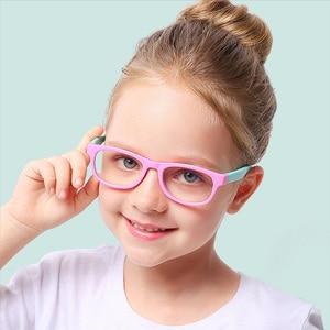 Image 1 - 2020 blau Licht Gläser Kinder Mode Junge Mädchen Blocking Computer Klar Transparent Brillen Optische TR90 Rahmen UV400