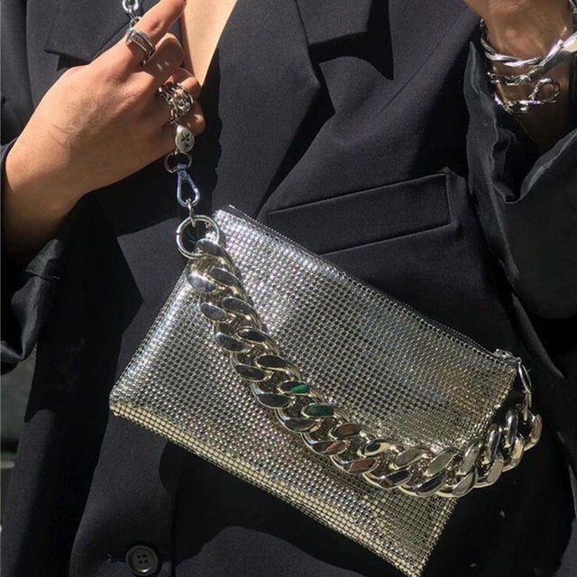Vrouwen Kleine Schoudertas Retro Messenger Bag Trendy Ins Handtas Vrouwelijke Keten Riem Crossbody Pack Kleine Subaxillary Tassen Bella