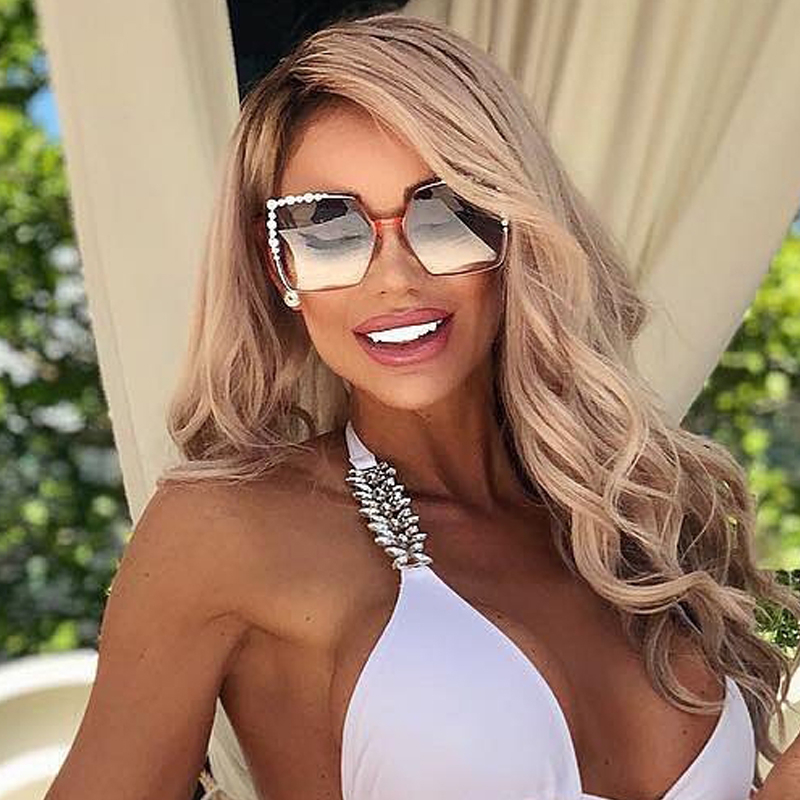 QPeClou 2020 New Luxury Pearl Sunglasses Women Brand Designer Oversized Square Sun Glasses Ladies Fashion Shades Oculos De Sol
