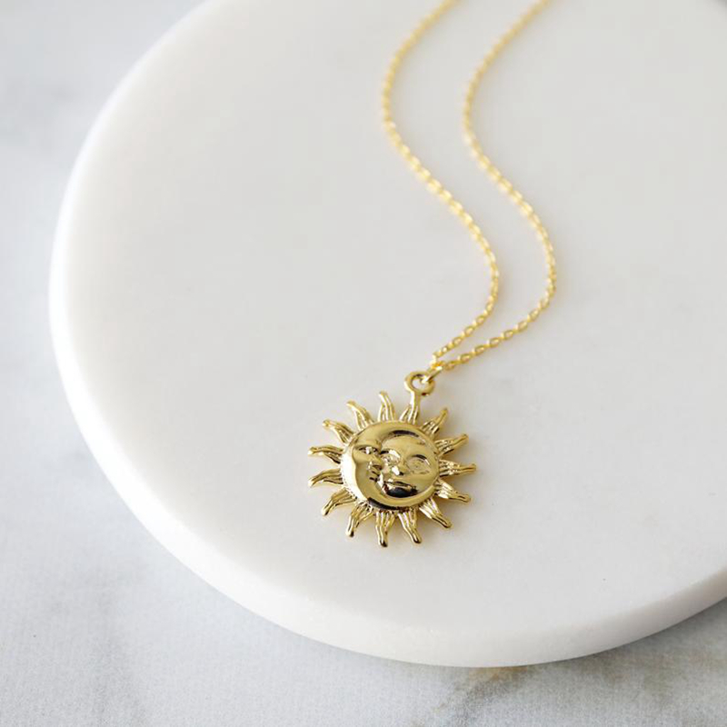 Bohemian Moon And Sun Face Pendant Necklaces Golden Minimalist Layered Coin Necklace Women Men Jewelry Friendship Gift BFF