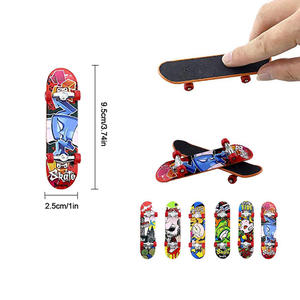 Alloy Stand Finger Board Skateboard Boarding Mini Finger Boards Skate Boarding Game Boys Desk Toys For Kid Gift Random Shipments