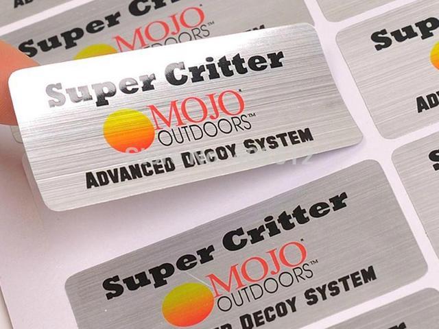 Özel logo tasarım su/yağ/UV dayanıklı yapışkan etiket fırçalanmış/parlak/mat gümüş PET etiket baskı