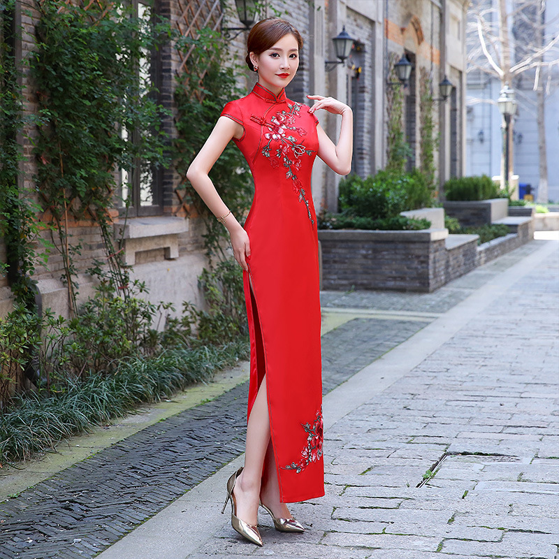 Red Embroidery Long Dresses Evening Cheongsam Traditional Chinese Wedding Dress Qipao Plus Size Women Clothing Robe Chinoise