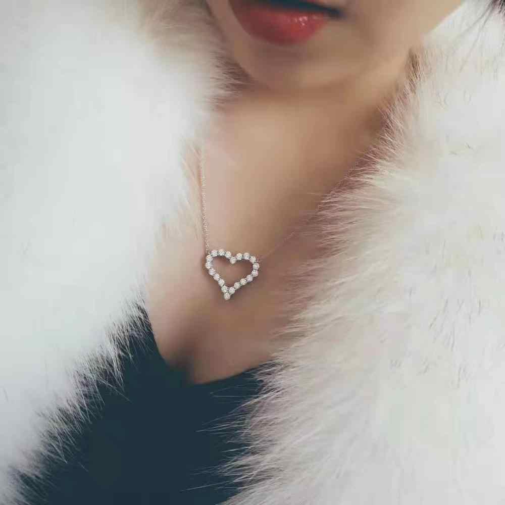 Collar de plata de ley 925 con colgante de circonita cúbica brillante con forma de corazón para mujer