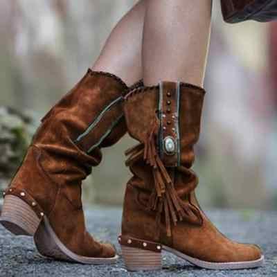 2019 осенние сапоги в стиле бохо; женские ботинки из искусственной замши с бахромой в этническом стиле; женские ботинки из флока без застежки на квадратном каблуке