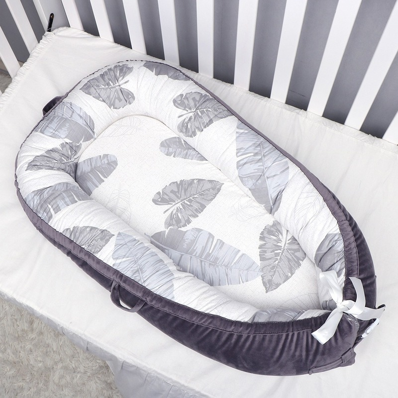 Portable Crib Bed Removable and Washable Baby Sleeping Crib Newborn Safety Bionic Bed Fully Removable and Convenient Design