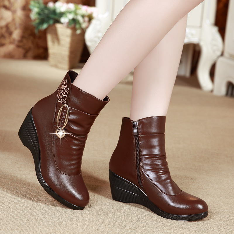 Female Boot Rhinestone Pendant Genuine Leather Boots Women Winter Shoes Warm Plush Ankle Boots Black Wedges Zip Botines Mujer