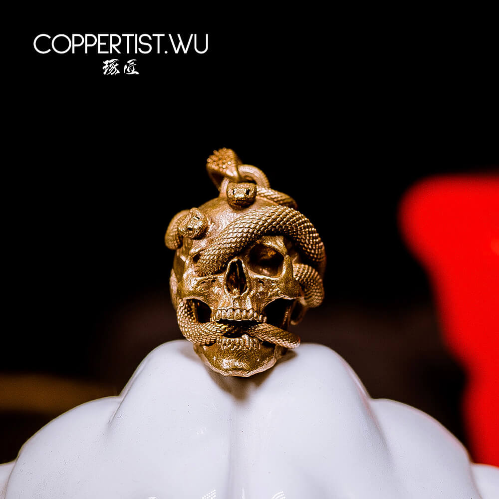 COPPERTIST.WU Handmade Skull Snake Keychain Charms Bronze Necklace Pendant Car Key Chains Accessories Fashion Decor Men Gift