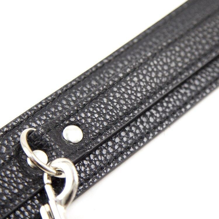 Bondage collar