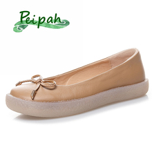 Купить с кэшбэком PEIPAH Shallow Handmade Cow Leather Women Loafers Mocassin Femme Casual Solid Ladies Ballet Flats Shoes Single Mother Shoes