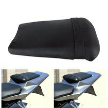 รถจักรยานยนต์ที่นั่งผู้โดยสารด้านหลังPillionที่นั่งPad PadสำหรับYamaha YZF R1 YZFR1 YZF R1 2002 2003 อุปกรณ์เสริมรถจักรยานยนต์สีดำ