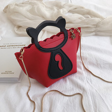 Individual cat chain mini casual bag Korean style new style single shoulder single shoulder bag.