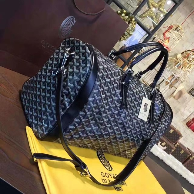 Fashion trend large capacity men and women the same portable diagonal bag, the same travel bag carry on luggage  gym bag 4