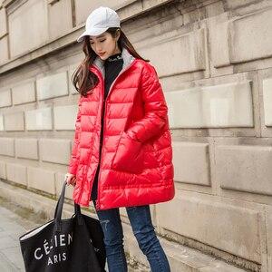 Image 2 - Ftlzz 새로운 겨울 다운 재킷 여성 느슨한 울트라 라이트 화이트 오리 코트 파커 여성 터틀넥 포켓 두꺼운 따뜻한 오버 코트