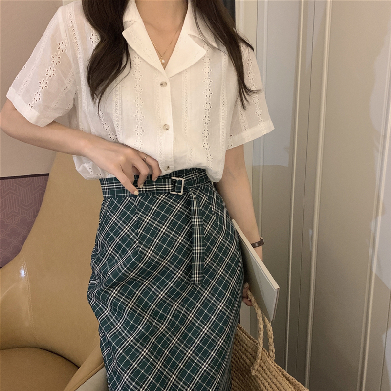 Ha55bf6322bae4d29abe6c2f0f04676feu - Summer Notched Collar Short Sleeves Embroidery Solid Buttons Blouse