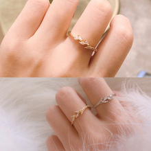 цены Fashion Luxury Leaf Crystal Rhinestones Engagement Rings For Women Accessories Wedding Band Rings Female Jewelry Gifts