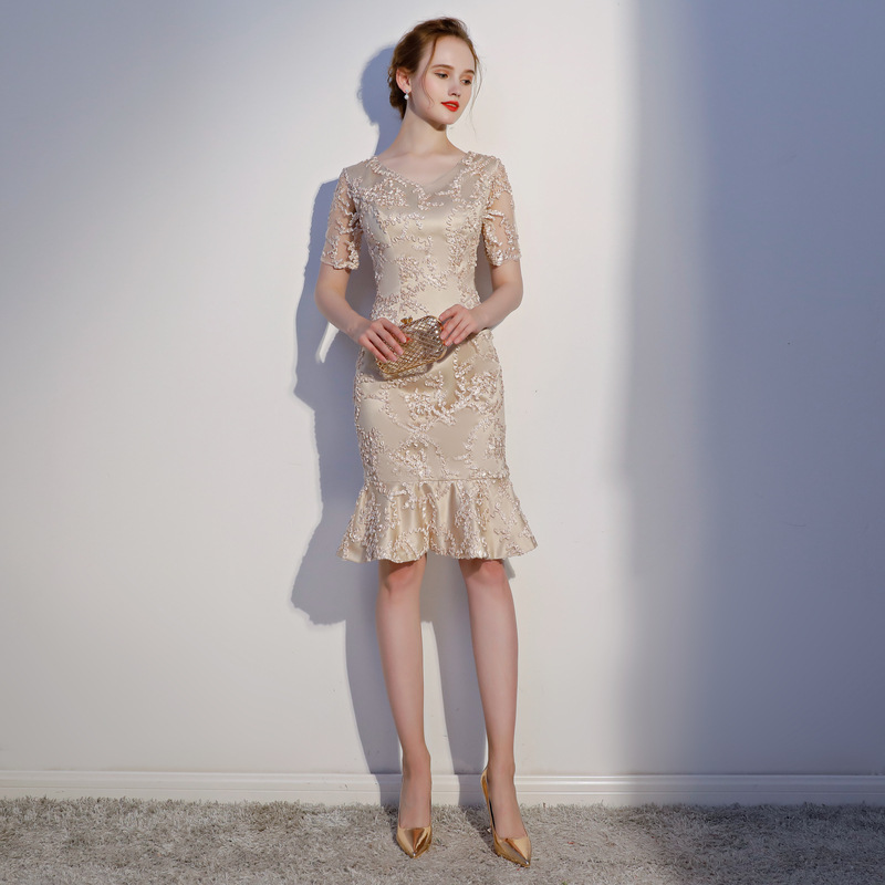 Light Champagne V-neck Lace Vestidos De Festa Ruffles Slim Fit Mermaid   Bridesmaid     Dresses   Robe De Soiree Wedding Party Gowns