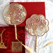 Fashion Gold Bridal Hand Bouquets Fan Type Handmade Flowers Beaded Chinese Metal Round Fan Wedding Jewelry Accessories