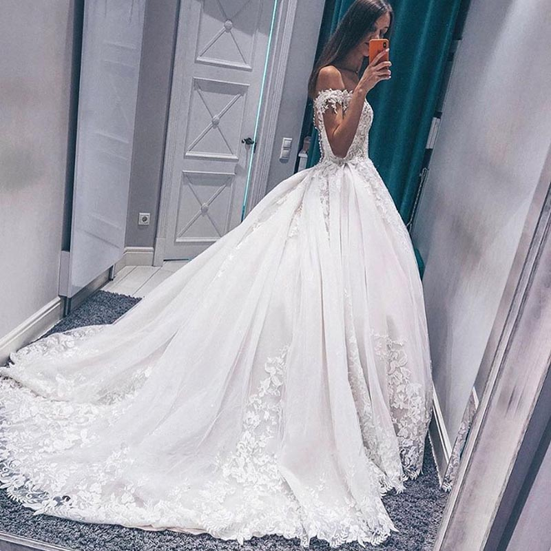 2020 Princess Off Shoulder Wedding Dress Sweetheart Vestido De Noive Lace Top Appliques Bride Dress Chapel Robe De Mariee